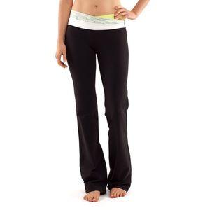Black Lululemon Astro Yoga Pants Size 8